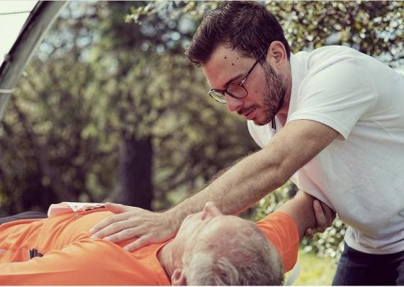Ostéopathe - Antibes - Florian Menez